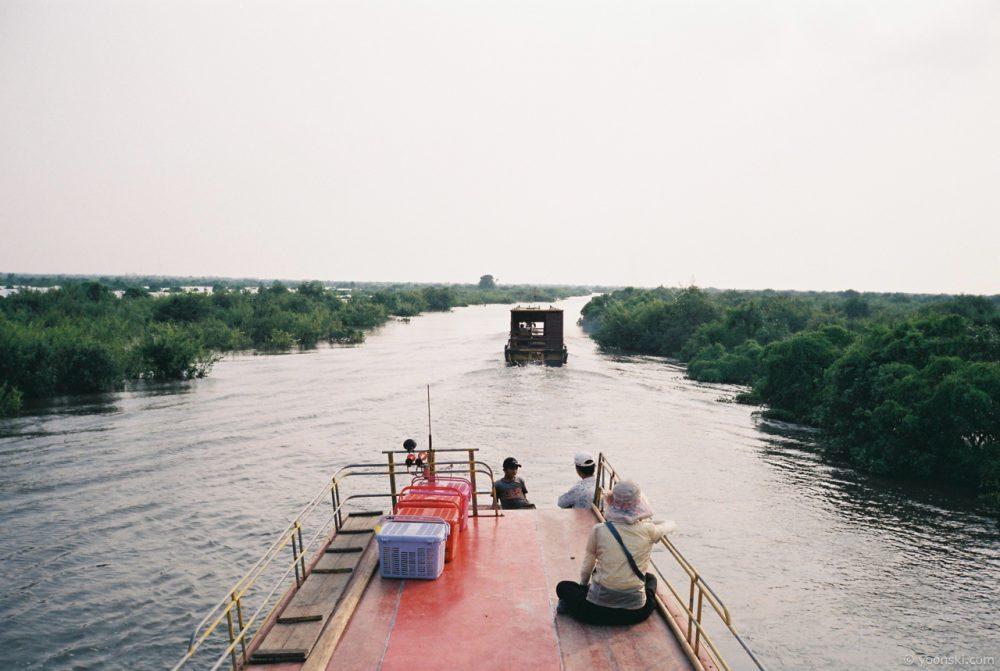 Kampong Phulk, Cambodia, 20141011-3