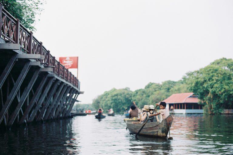 Kampong Phulk, Cambodia, 20141011-4